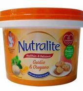 Nutralite Garlic & Oregano Butter Tub 200G